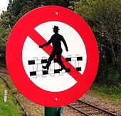 Do Not Cross Railtracks!