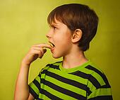 kid boy teenager baby poisoning vomiting belching, anorexia fing