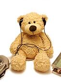 teddy-bear listens music