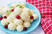 cheese balls with cranberry