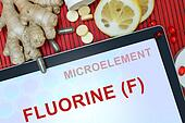 Fluorine (F)