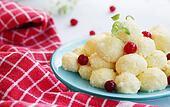 dessert with cranberry