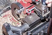 make a metal key locksmith
