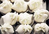 Meringue pastries