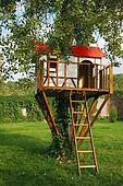 Cute small tree house for kids