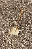 Spade with Crushed gravel