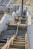 pouring concrete steps 5
